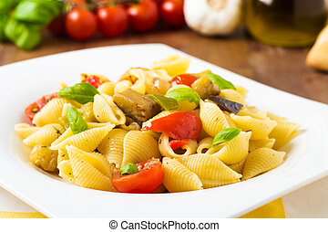 Pasta with grilled veggies