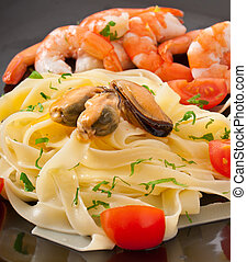 pasta with shrimps, mussels