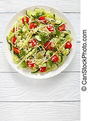 pastas, brotes, veggies, ensalada