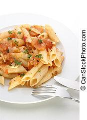 pastas, con, fresco, orgánico, tomate, y, especias