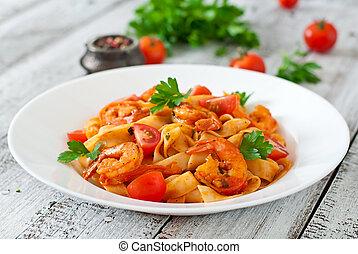 pastas, fettuccine, camarón