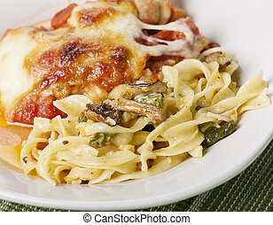 pastas, vegetales, parmesan pollo