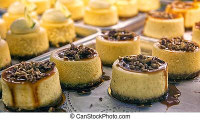 pastel de queso, escaparate, panadería, nueces