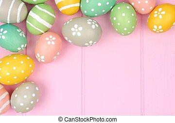 pastel, huevo de pascua, esquina, frontera, contra, un, rosa, madera, plano de fondo
