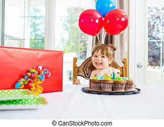 pastel, tabla, niña, regalode cumpleaños