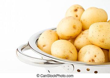 patate nuove, in, uno, acciaio inossidabile, colapasta