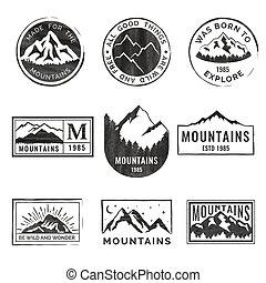 patches., 山, 風格, 集合, grunge, 露營, hiking., 旅行, 標籤, 營房, 象征, 戶外, 九, 森林, 葡萄酒, 象征, 標識語, 旅遊業, texture., 徽章, 冒險