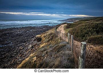 Path along the coast of Cayola