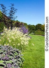 path leading througn an english country garden