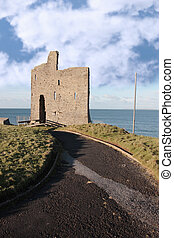path to ballybunions old castle ruins
