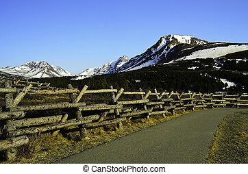 Path to Flat top mountain