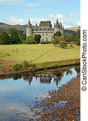 Path to Inverary Castle