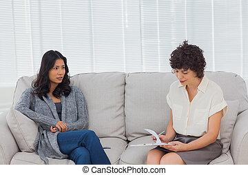 patiënt, het spreken, om te, haar, therapist