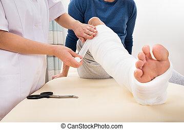 patiënt, het verbinden, arts, been