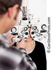patient, clinique, oeil, docteur féminin