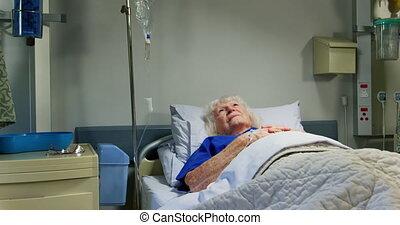 patient, délassant, pupille, actif, 4k, personne agee