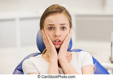 patient, dentaire, clinique, terrifié, girl, effrayé