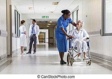 patient, &, fauteuil roulant, femme, infirmière, personne agee, hôpital
