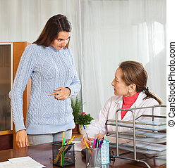 patient talking the doctor