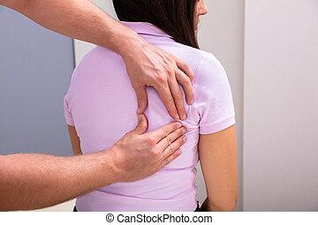 patient, thérapeute, femme, portion, douleur dorsale, physique