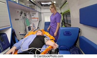 patient, urgence, fournir, monde médical, emt, ambulance, professionnel, soin senior