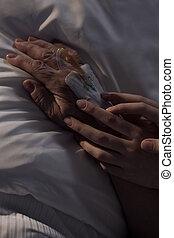 patient's, caregiver, tenue, personnes agées, main