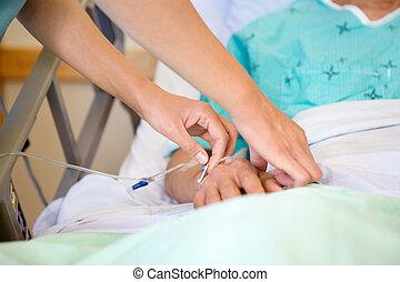 patient's, manlig, droppa, hand, fästa, sköta, iv