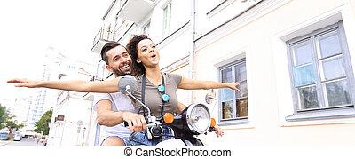 patineta, equitación, pareja, mientras, hermoso, sonriente, ...