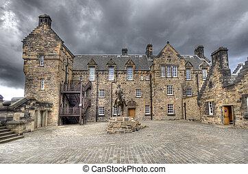 patio, castillo de edimburgo