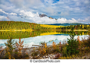 Patricia Lake amongst the forests and mountains - Charming ...