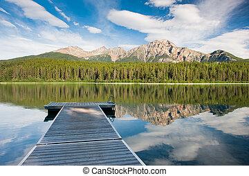 Patricia Lake, Canada - Patricia Lake, Jasper national park,...