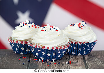Patriotic 4th of July or Memorial Day celebration cupcakes