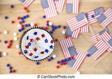 Patriotic Cupcake and Flags