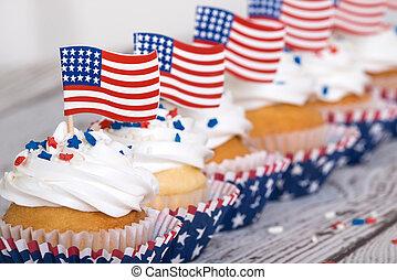 patriotique, américain, petits gâteaux, drapeaux, rang