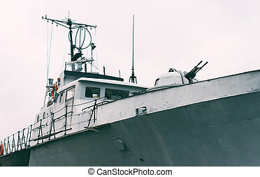 Patrol ship with radar and gun.