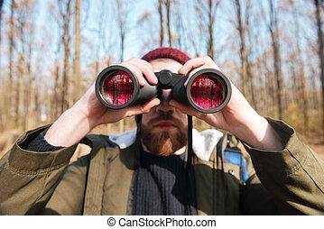 patrząc, brodaty, forest., field-glass, przystojny, człowiek