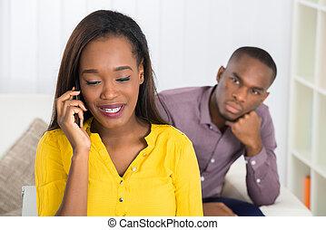 patrząc, cellphone, kobieta, człowiek mówiący