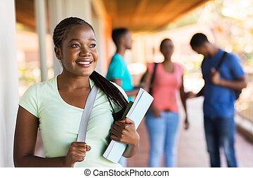 patrząc, dziewczyna, kolegium, precz, afrykanin