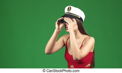 patrząc, kobieta, precz, korona, oszałamiający, lorneta, marynarz, przez, uśmiechanie się, po