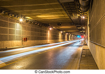 pauroso, misterioso, sottoterra tunnel