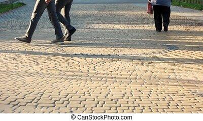 pavement., gyalogló, cubblestone, emberek