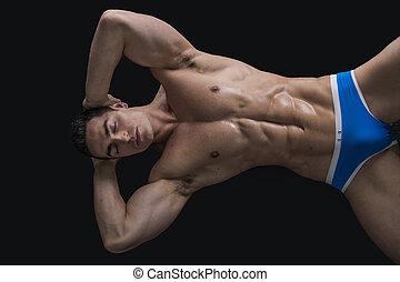 pavimento, shirtless, posa, giovane, muscolare, uomo
