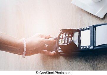payant, crédit, femme, café, carte