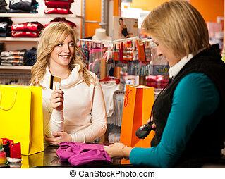 payant, mignon, femme, achat, après, jeune, crédit, succesfull, carte