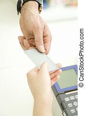 payant, vendeur, crédit, mains, carte, homme