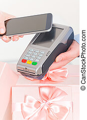 Paying contactless with smart phone