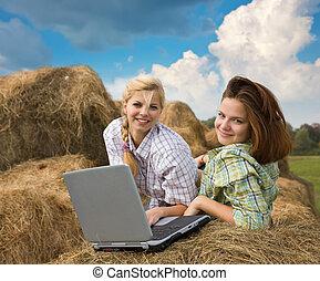 pays, ordinateur portable, filles, reposer