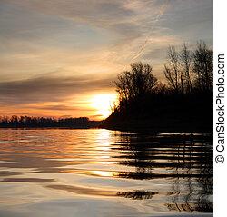 paysage rivière, à, coucher soleil