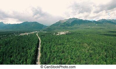 paysage ville, aérien, montagnes, sombre, dramatique, forêt verte, route, vue
