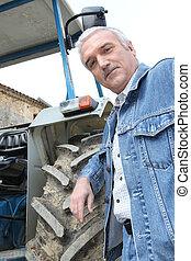 paysan, contre, tracteur, penchant